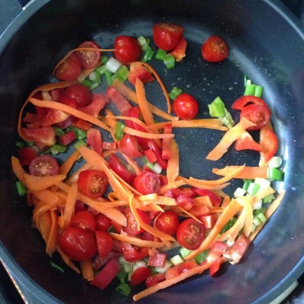 باستا الطماطم الكرزية